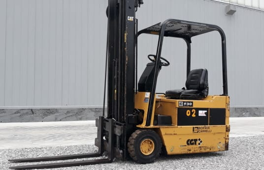 CATERPILLAR F30 Electric Forklift