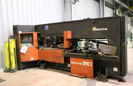 Köşe Çıkarma Makinesi AMADA ARCADE 210 CNC Turret Punching and