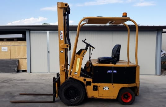 OM E20 Electric forklift