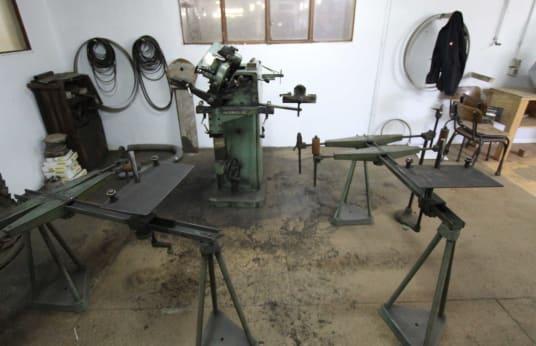 ALLIGATOR Werkzeugschärfmaschine