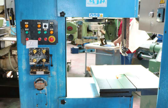 OPUS 550 Vertical band saw