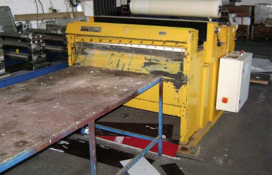 EDWARDS 1-S/1250-11/S Longitudinal and cross cutting machine