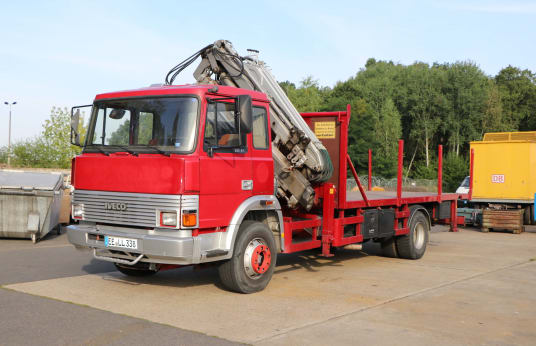 IVECO Truck with Loading Crane