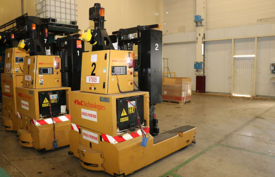 FMC REACH SGV 2000 Automatic Picker for Loading and Discharging