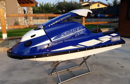 YAMAHA SUPER JET Watercraft