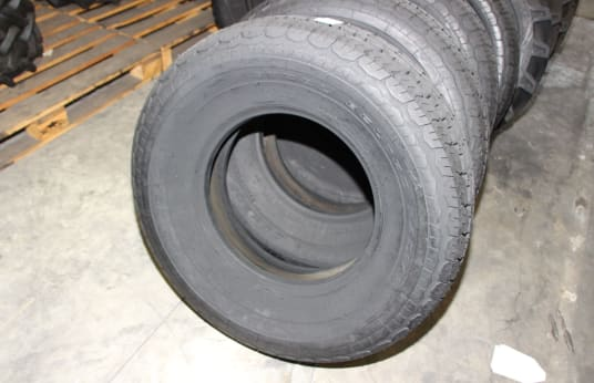 DUNLOP 33X12.50R16.5 (12-16-5) Lot of Tires (32)