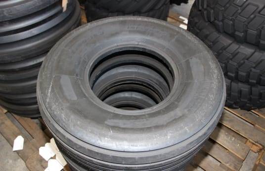 DEBICA 12.5/80-15.3 Lot of Tires (32)