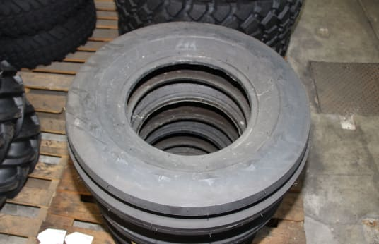 GOODYEAR 9.5L-15 Lot of Tires (16)
