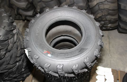 SIAMESE 23X1000-10 Lot of Tires (8)