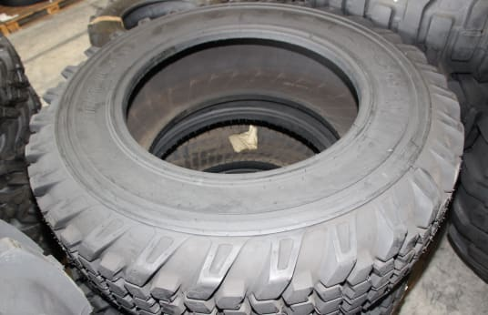 ARMOUR 16.9-30 Lot of Tires (3)