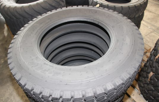 MIXED BRANDS 11R24.5 Lot of Tires (6)