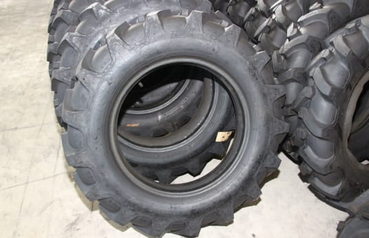 TREADURA 650-16 Lot of Tires (40)