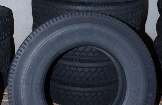 DOUBLE COIN 11 R 24.5 Lot of Tires (6 )