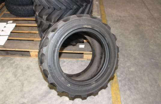 OUTRIGGER 26X12.0-15 Lot of Tires (27)