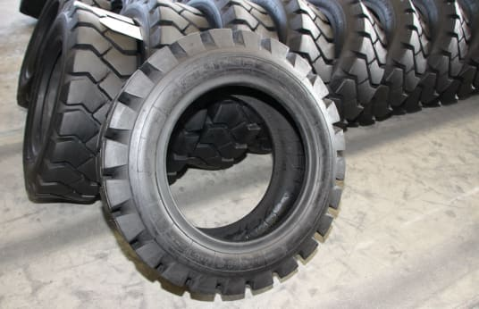 KINGS TIRE 28X9-15 (815-15) Lot of Tires (49)