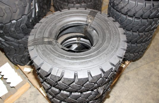 DOUBLE COIN 650R10 Lot of Tires (8)