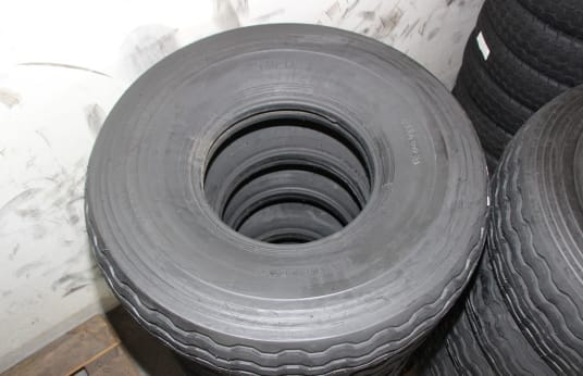 ALLIANCE 900-13 Lot of Tires (10)