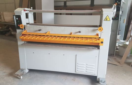 IBERPRESS MDC 1300 Gluing Machine