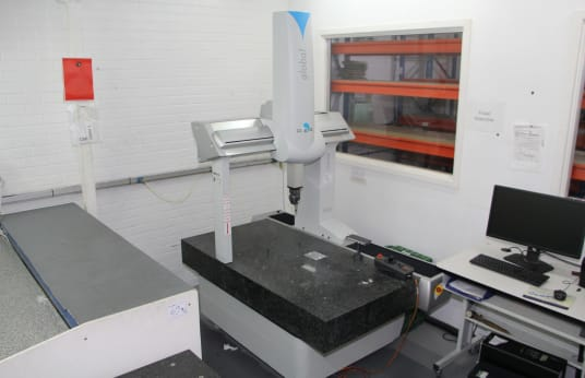 Machine de mesure DEA 071005