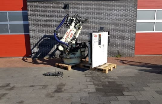 KAWASAKI UX120 + C42F-A001 WELDING ROBOT PICK AND PLACE ROBOT COMPLETE