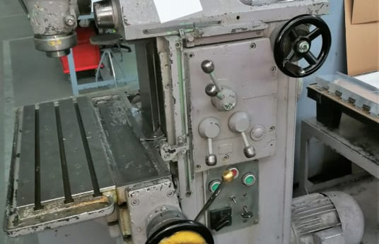 Fresadora ARAD FUS 200P 200X570
