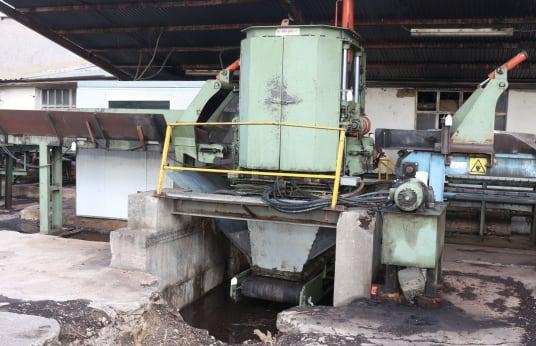 BAR - GAR BG 75 A Debarking Machine