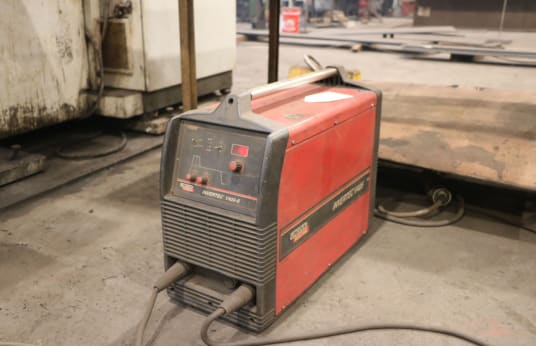 LINCOLN INVERTEC 405 V TIG Welder