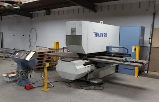 TRUMPF Trumatic 240 Punching and nibbling machine