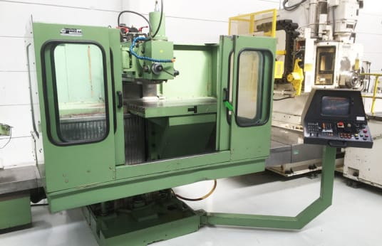 CME CNC 800 CNC MILLING MACHINE