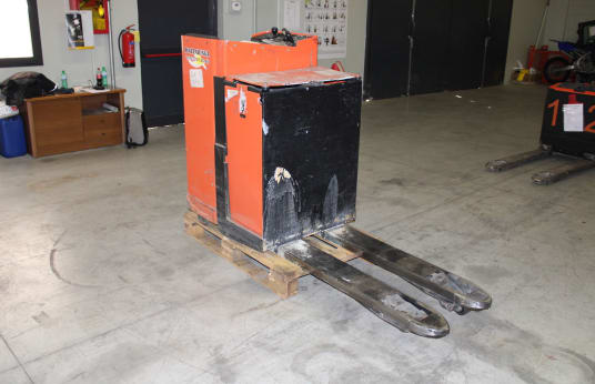TOYOTA LSE200 Electric Pallet Truck