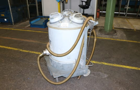 NILFISK GM 83 Industrial Vacuum Cleaner
