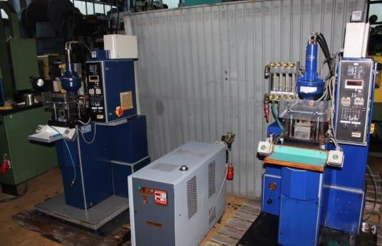 ALPHA/MARCO PEL4/5VH 2x Spritzgießmaschinen mit Temperiergerät
