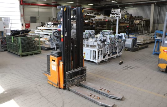 STILL EGV-S 20 Battery Stacker with Stand-On Platform
