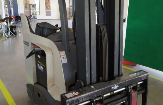 CROWN RC5500 Electric Forklift