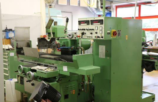 JUNG JF520 Surface Grinding Machine