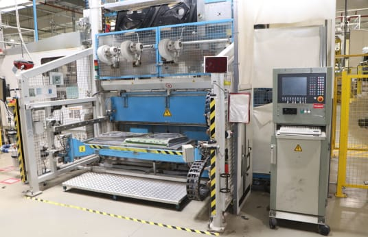 KIEFEL KLS 76/225 K Vacuum thermoforming and laminating line for interior panelling in vehicle construction
