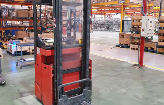 LINDE L16R Electric Pallet Stacker
