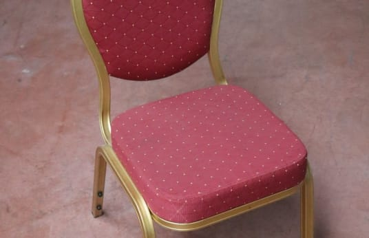RESOL CONTRACT Lot of 100 Event Chairs