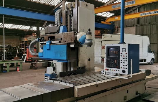 BUTLER-ELGAMILL TE 3000 CNC Bed Type Milling Machine