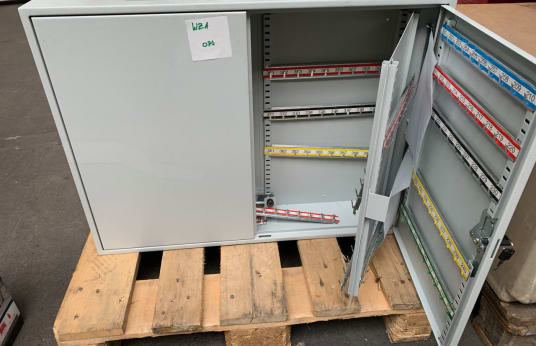 FORMAT Lot (2x) Key Cabinet