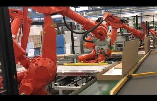 3-cell Packaging System with Robots