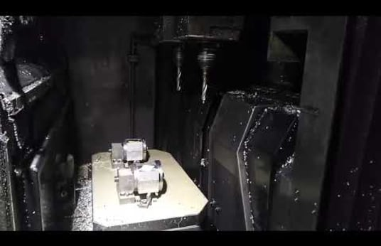 Centro de Mecanizado Vertical STAMA MC 325 TWIN