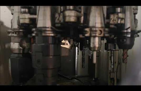 Centro de mecanizado universal DECKEL MAHO DMU 60 P