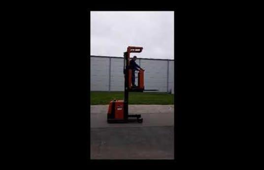 BT OME 100M Forklift
