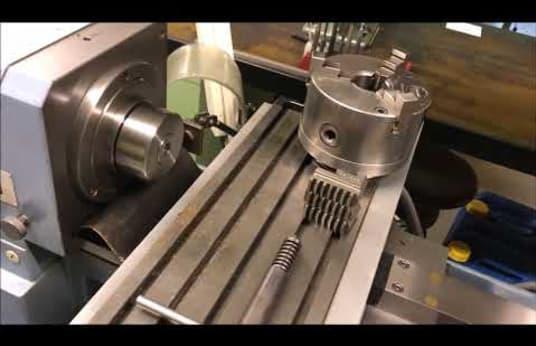 SCHAUBLIN 102 N 80 Präzisions-Drehmaschine