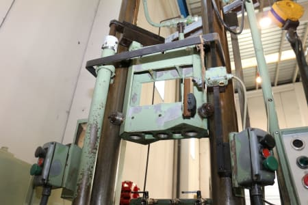 FORST RISZ 6,3 x 1000 x 320 Vertical Broaching Machine i_02681590