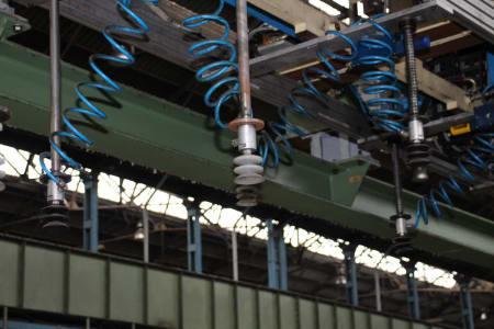 Installation de moussage pour panneaux isolants moulés (unités de réfrigérateurs) CANNON i_02773226