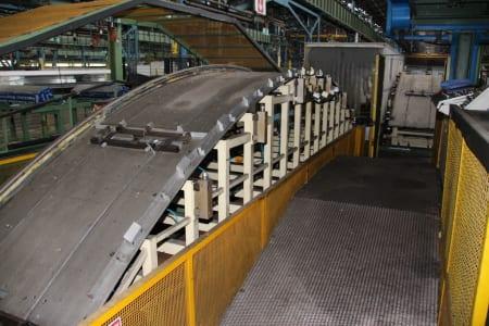 Installation de moussage pour panneaux isolants moulés (unités de réfrigérateurs) CANNON i_02773228