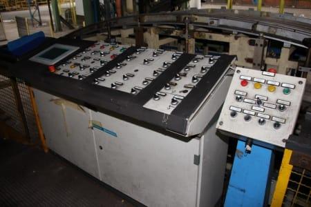 Installation de moussage pour panneaux isolants moulés (unités de réfrigérateurs) CANNON i_02773230