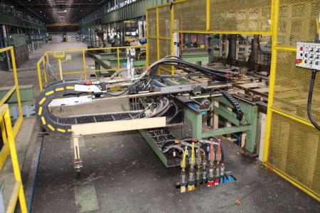 CANNON Schäumanlage für geformte Isolierplatten (Kühlmöbel) i_02773234